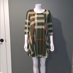 Tops - WOMANS green plaid tunic top SZ.L